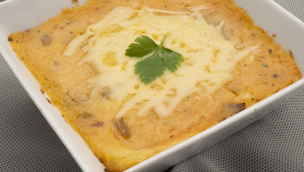 Pastel de setas, jamón y queso